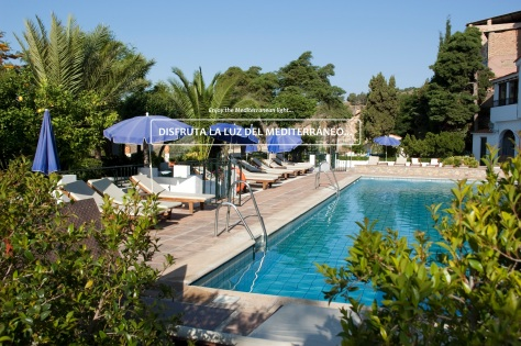 Hotel Alcadima Piscina outdoor swimming pool WEB 2